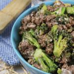 Krucha wołowina z brokułami